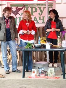 Літературні юшки Вікторії Горбунової та Дари Корній на Літературній Країні Мрій 2011 року